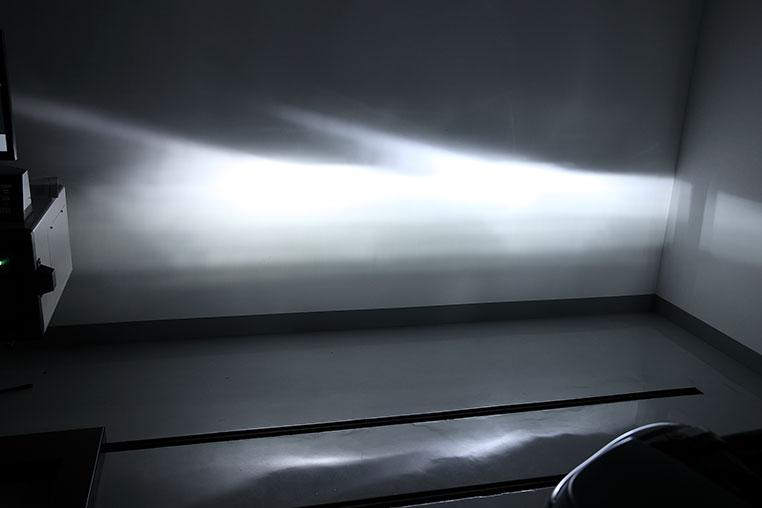 LEDヘッドライトがHIDより優れている点