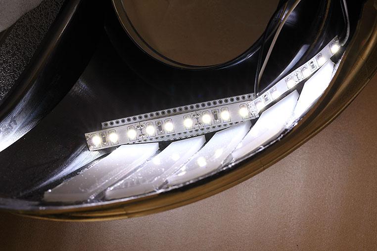 LEDテープライトでアクリル板をキレイに光らせるコツ