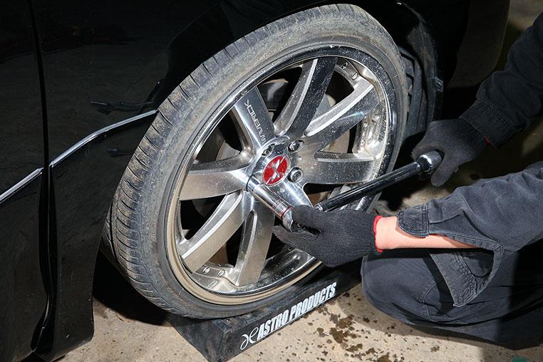 表 トルク タイヤ 締め付け フィアット500 ホイールボルト締め付けトルク